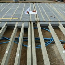 Block and beam floor construction